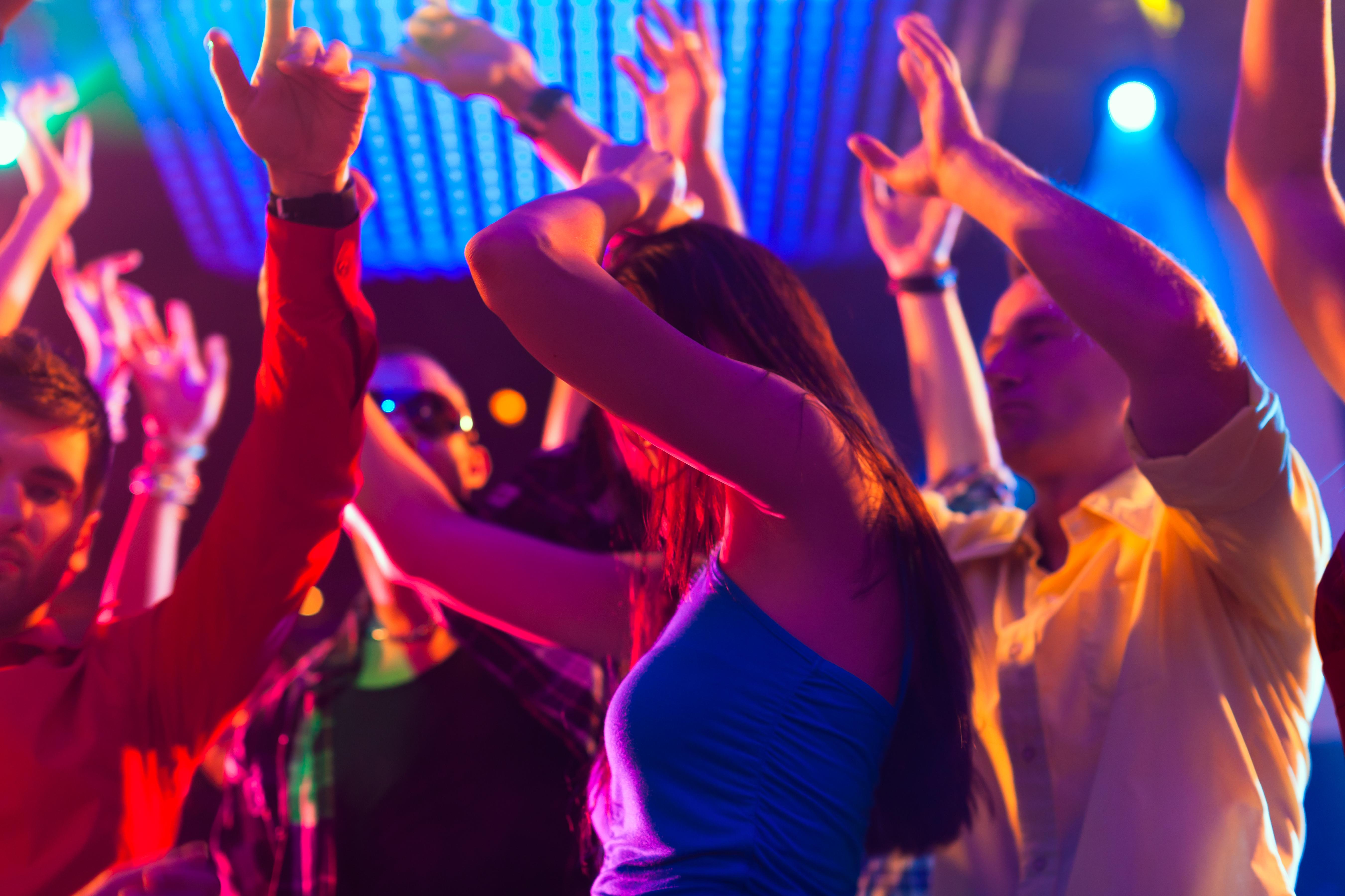 Секс в ночном клубе со стриптизером 24 фотография